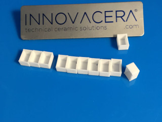 95 Alumina Ceramic Insulator Boxes For Electrical Device