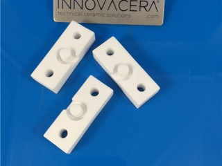 High Purity Alumina Ceramic Plaets With Holes