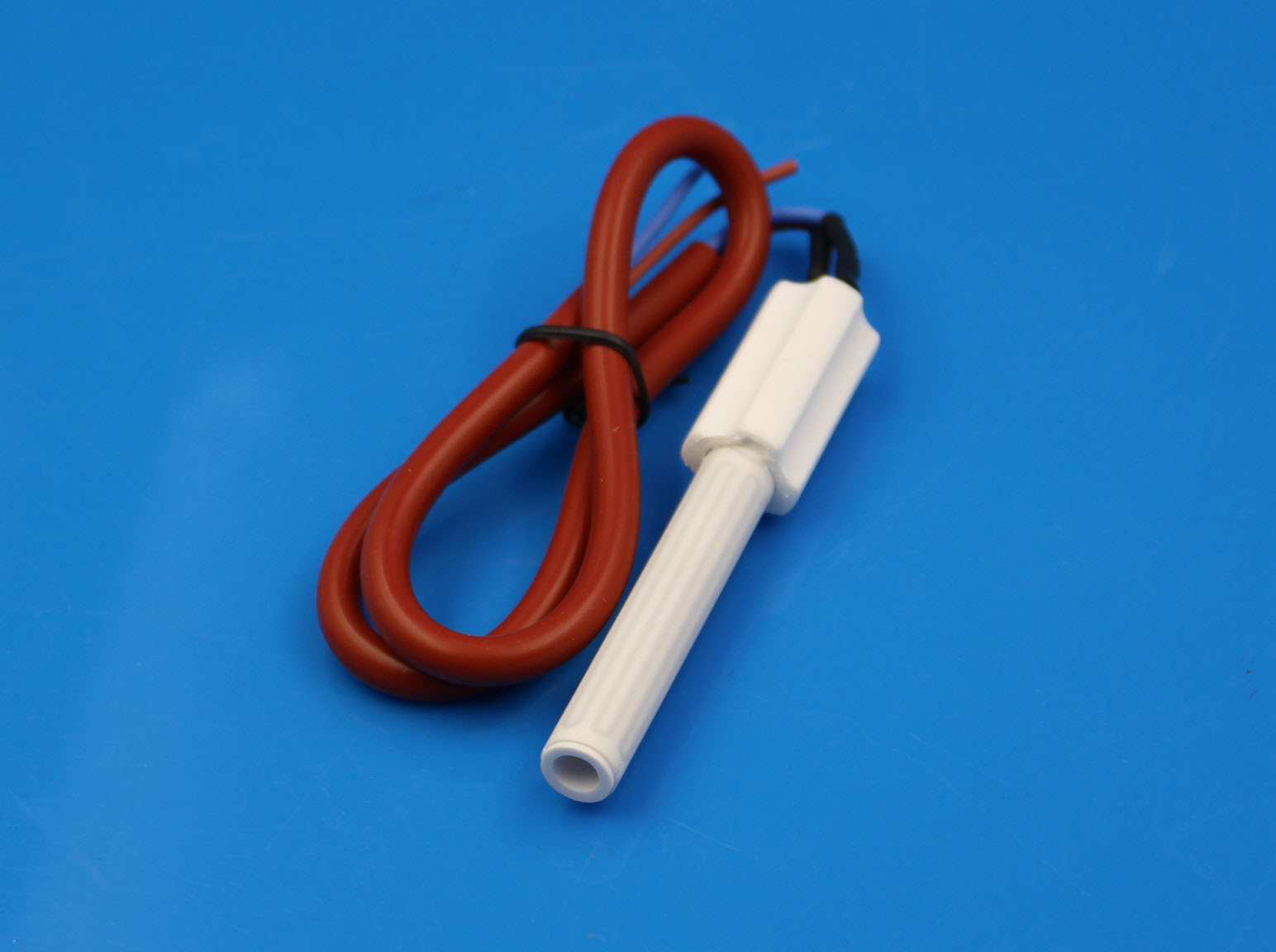 Ceramic igniter for pellet boiler
